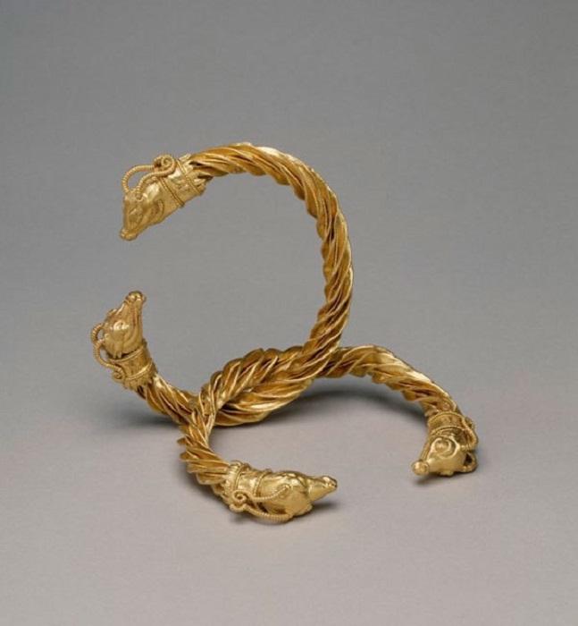 Греческие браслеты (Золото, IV в. до н. э.)